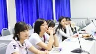 คณะนักศึกษาจาก Seoul Women's University ประเทศเกาหลี ศึกษาดูงาน คณะเทคโนโลยีการเกษตร มทร.ธัญบุรี ซึ่งเป็นกิจกรรมที่เป็นไปตามความร่วมมือ และเป็นประโยชน์ที่นักศึกษาจะได้ทำกิจกรรมร่วมกัน เพื่อแลกเปลี่ยนแนวคิดวัฒนธรรมเป็นการเปิดโลกทัศน์สู่สากล เมื่อวันจันทร์ที่ 21 มกราคม 2556 ณ คณะเทคโนโลยีการเกษตร ศูนย์รังสิต  ภาพถ่ายโดย :คณะเทคโนโลยีการเกษตร