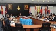 ประชุมสภามหาวิทยาลัยเทคโนโลยีราชมงคลธัญบุรี ครั้งที่ 2/2556 วันพฤหัสบดีที่ 21 กุมภาพันธ์ 2556 ณ ห้องประชุมมังคลอุบล ชั้น 1 อาคารเฉลิมพระเกียรติ 48 พระชันษา สมเด็จพระเทพรัตนราชสุดาฯ สยามบรมราชกุมารี  ภาพถ่ายโดย : กองประชาสัมพันธ์ จัดทำอัลบั้มภาพโดย : งานพัฒนาและเผยแพร่ข้อมูลเว็บไซต์ สำนักวิทยบริการและเทคโนโลยีสารสนเทศ มทร.ธัญบุรี