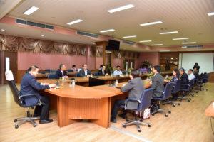 พิธีมอบทุนการศึกษา แก่นักศึกษาคณะวิศวกรรมศาสตร์ ณ ห้องประชุมราชพฤกษ์ คณะวิศวกรรมศาสตร์ มทร.ธัญบุรี